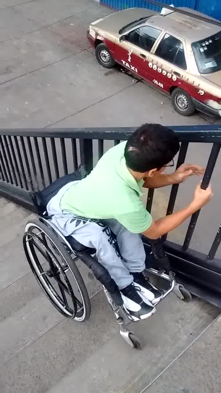 Alô, prefeito e governador! Quando vocês pretendem incluir as pessoas com deficiência? E se fosse com vocês?