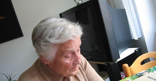 Izar: Bolsonaro deu aval a pensão integral a vítimas de Alzheimer