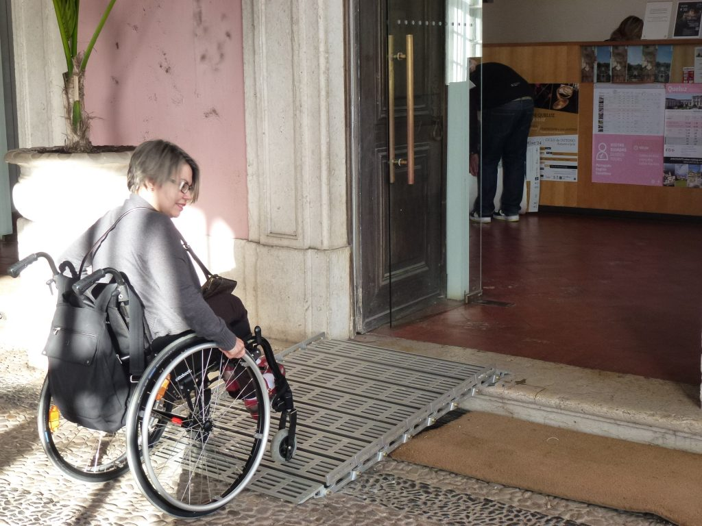 Aviso aos comerciantes: a pessoa com deficiência também é consumidora