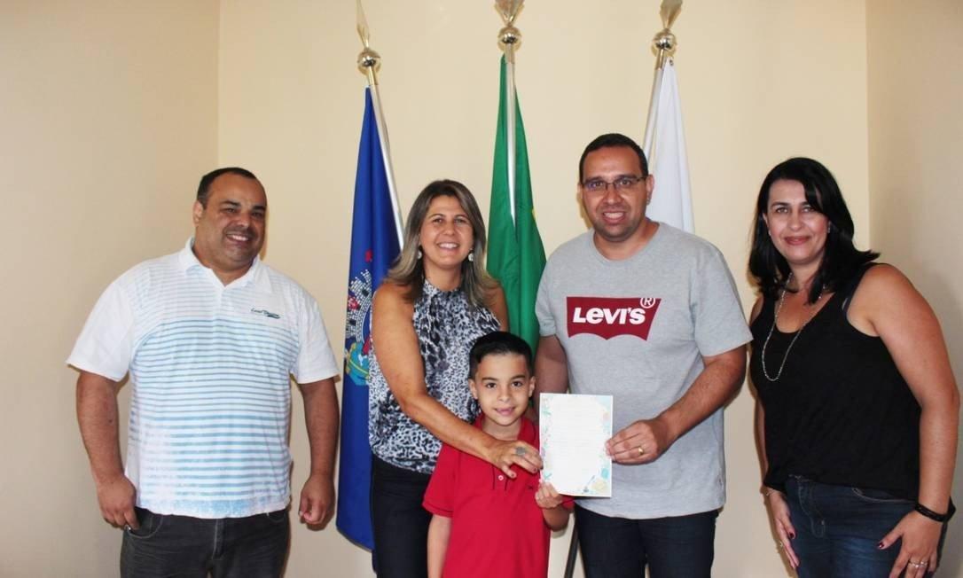 Criança com autismo pede a prefeito de Vassouras que proíba fogos, e ele responde