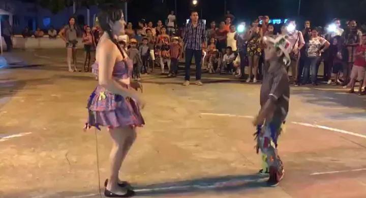Quadrilha em Libras: vídeo de professora dançando com aluno surdo viraliza