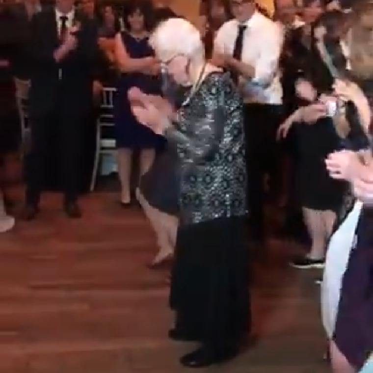 Chegar a maturidade dançando, é para os fortes!!!!!